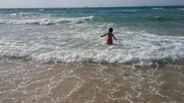 Beach2 ChagitMoriahGibor
