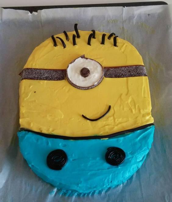 Minion Cake SmadarHalperinEpshtein