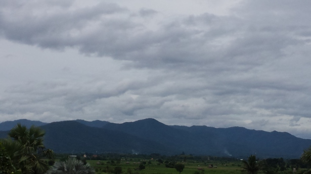 clouded naamayehuda