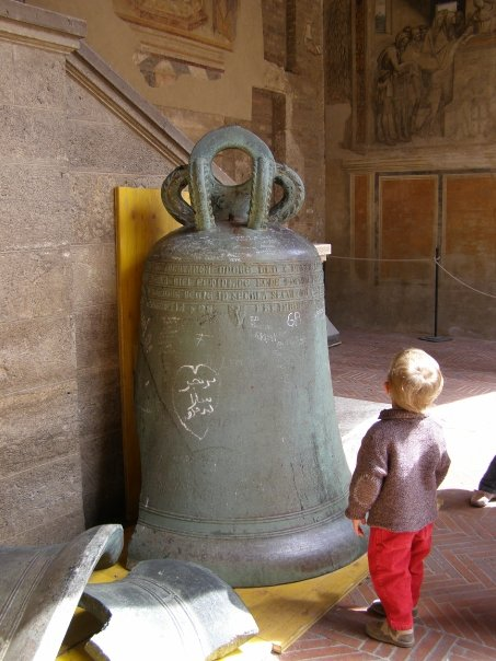 bell boy SmadarHalperinEpshtein