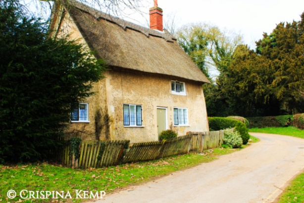 cob-cottage CrispinaKemp